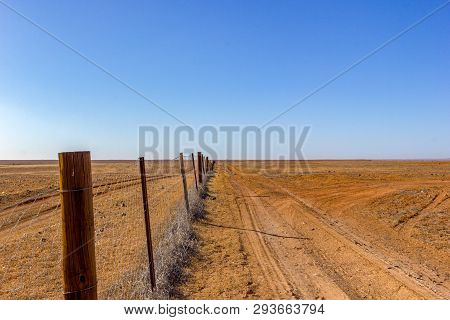 Australia, Dog Fence Aka Dingo Fence, 5300 Km Long Fence To Protect Pastures For Sheeps And Cattles,