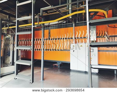 Industrial Automatic Painting Technology. Powder Coatings. Industrial Powder Coating Equipment