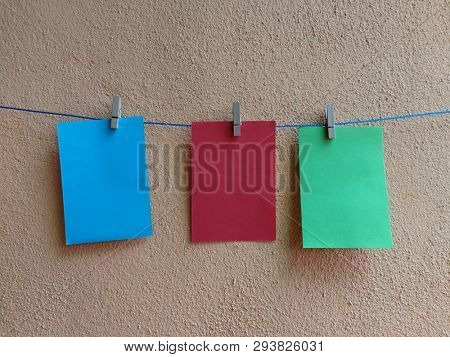 Sticky note hang on clothesline