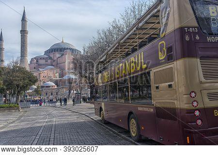 Turkey, Istanbul, 11,03,2018    Sight Seeing Tourist Bus