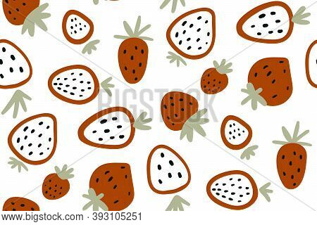 Red Strawberry. Vector Seamless Pattern With Strawberries Isolated On White Background. Hand Drawn.