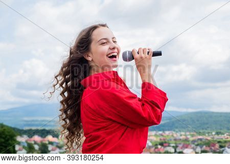 Girl Singing. Vocal School Concept. Karaoke Club. Music Is My Life. Kid Sing With Mic. Cheerful Even
