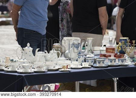 Buying And Selling Second Hand Goods On A Flea Market