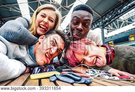 Drunk Friends Taking Selfie With Crazy Funny Faces At Indoor Event - Happy Friendship Concept On Mil