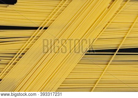 Bunches Of Long Vermicelli Overlap In The Center Of The Screen.