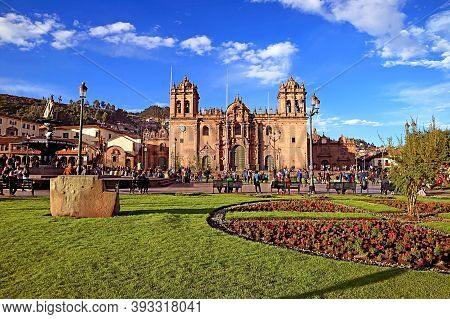 Plaza De Armas Square With Its Stunning Landmark, Cusco Cathedral, Cusco, Peru, South America, 6th M