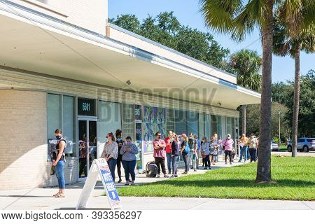 New Orleans, La - October 17: People In Line Waiting To Vote Early For General Election At Lake Vist