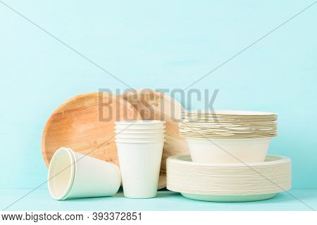 Biodegradable, Compostable, Disposable Or Eco Friendly Utensil (plate, Dish, Bowl, Cup) On Pastel Co