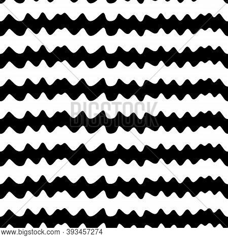 Jagged Stripes Seamless Pattern. Curved Lines Ornament. Curves Print. Striped Background. Broken Lin