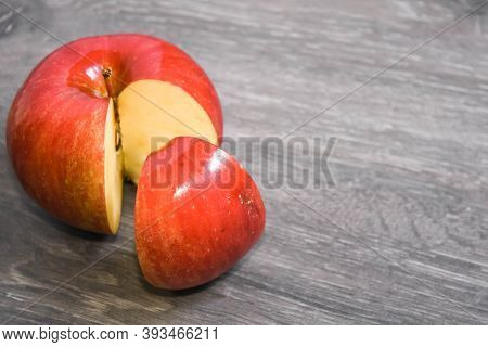 Business Market Share Concept. 25 Percent Of An Apple, Part Of The Whole Aplle, Quater Of The Capita