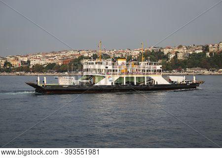 Istanbul, Turkey - October 29, 2020: Istanbul Deniz Otobusleri Ferry In Bosphorus Strait. Ferries Ca