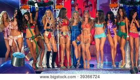 NEW YORK - NOVEMBER 9: Victoria's Secret Fashion models walks the runway finale during the 2010 Vict