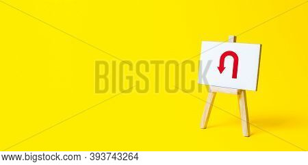 Easel With Arrow Turning Back. Change Plans, Circumstances. Tactical Retreat. Avoiding Problems, Red