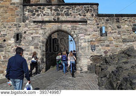 Edinburgh, Great Britain - September 10, 2014: Unidentified Visitors Pass Through The Gate Of Foog I