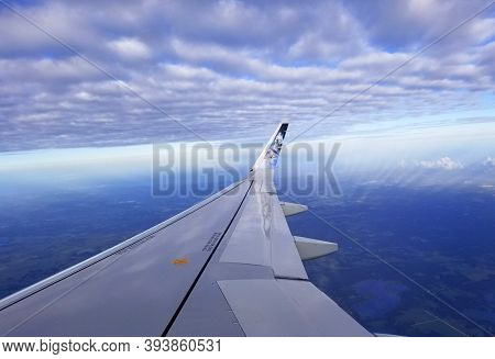 Philadelphia, Pennsylvania, U.s.a - October 21, 2020 - The View Of The Right Wing Of Frontier Airlin