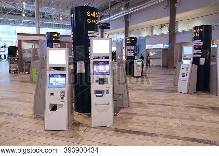 Gothenburg, Sweden - August 28, 2018: Self-service Check-in At Gothenburg Landvetter Airport In Swed
