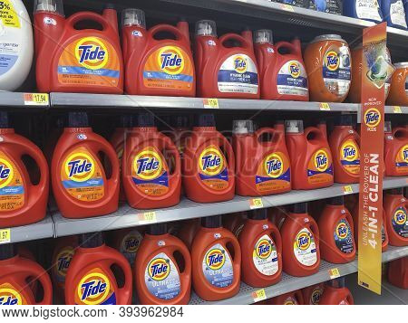 Indianapolis - Circa November 2020: Tide Detergent Display. Several Varieties Of Tide Detergent Are