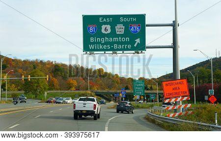 Clark Summit, Pennsylvania, U.s.a - October 20, 2020 - Traffic Into Interstate 81, 476, Pa Turnpike