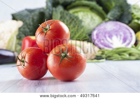 Tomatoes, Lettuce and Onioin