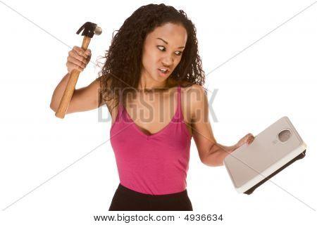 frustriert durch Ergebnisse ihrer Ernährung Ethnisch Frau