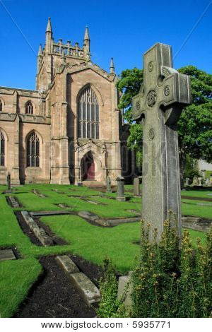 Dunfermline Abbey and Celtic Cross