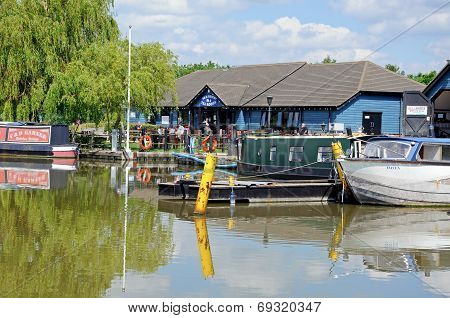 Narrowboat and tea rooms, Barton Marina.