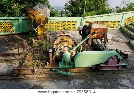 Old Pully Machine