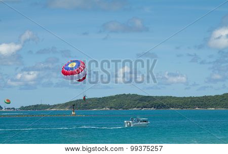 SAMET ISLAND THAILAND - August 2015 Extreme Sports, balloon boat is very popular in Patong Beach now