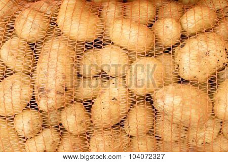 potatoes in net packing
