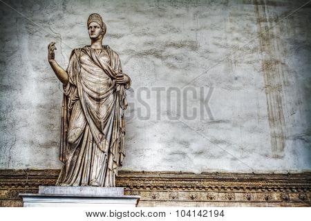 Sabina-matilde Statue In Loggia De Lanzi