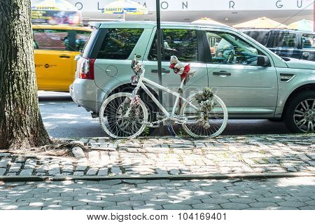Ghost bike in New York