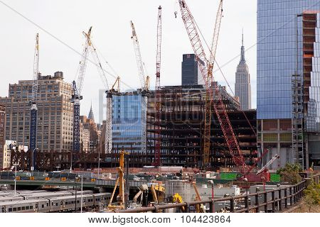 NEW YORK, USA -  SEP 27 2015 : Work continues on the Hudson Yards Redevelopment Project.