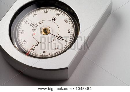 Real Bearing Compass