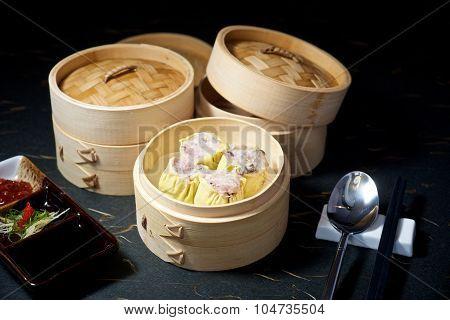 Dimsum Set In Bamboo Container