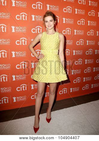 LOS ANGELES - OCT 14:  Zoey Deutch at the No Kid Hungry Benefit Dinner at the Four Seasons Hotel on October 14, 2015 in Los Angeles, CA