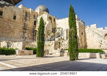 JERUSALEM, ISRAEL - MAY 9: The Al-Aqsa Mosque and archaeological park Davidson Center on the Temple Mount in Old City of Jerusalem, Israel on May 9, 2017