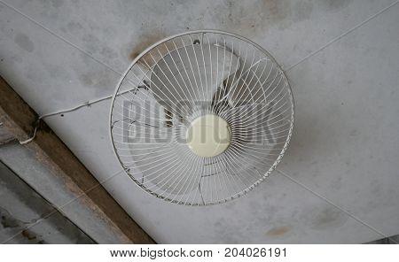 Ceiling fan, old white fan, vintage fan