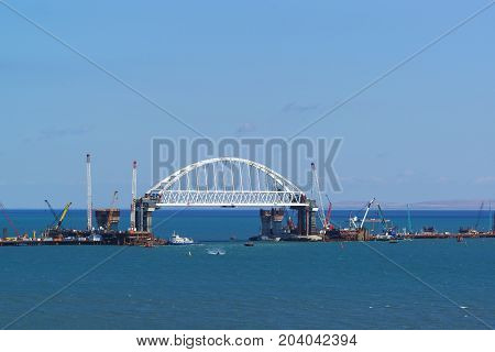 Construction Of Road And Railway Bridges Across The Kerch Strait. The Navigable Span Of The Railway
