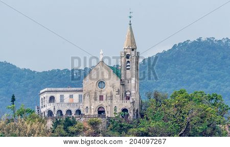 The church was then constructed in 1622 and became the property of the Augustinians until 1834 when they were expelled from Macau. In 1837 the church was reconstructed along with the Bishop residence next to it. In 1935 it was then again completely rebuil