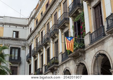 Referendum Of Independence From Spain. Catalan Flag, Senyera Hanging From The Balcony