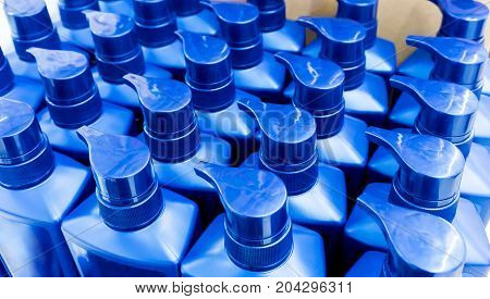 Round Blue Plastic Bottle With Dispenser Pump For Liquid Soap, Shampoo, Shower Gel, Lotion, Body Mil