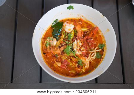 Tom Yum Goong With Instant Noodle
