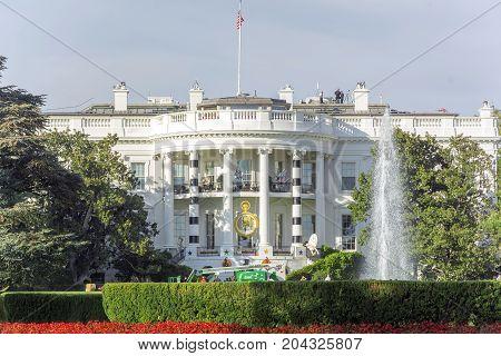 Halloween Fall Decorations Presidential White House Fountain Washington Dc
