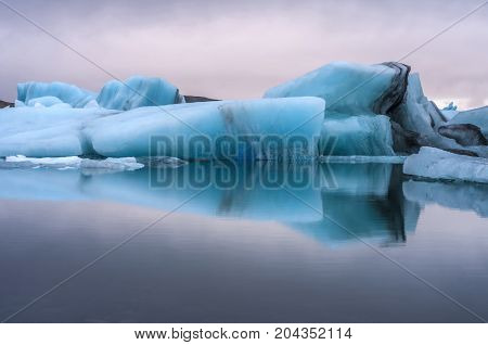 Icelandic scenery with ice from glaciers in a lake