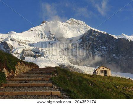 Jungfrau and the old Mittellegi hut - Alpine panorama