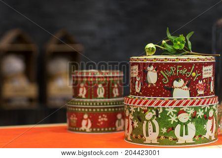 Gift Round Metal Box