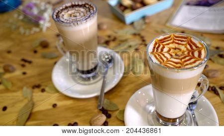 readt to drink coffee latte on deak