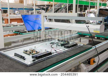 Line Conveyor Assembly Televisions