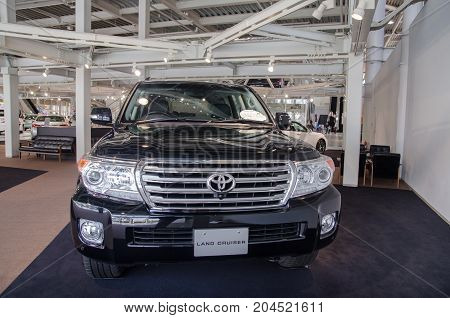 Toyota Land Cruiser Zx 4Wd  Presented In Odaiba Showroom. Tokyo, Japan
