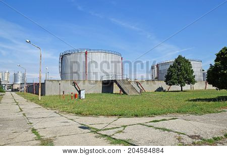 Large gas containers of the power station